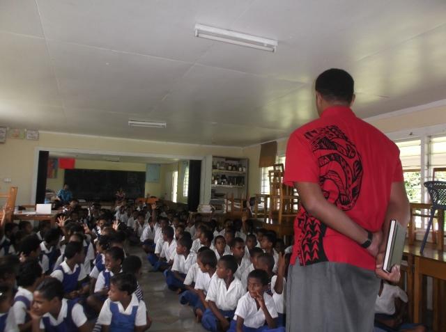Epeneri addressing some of the students at Somosomo